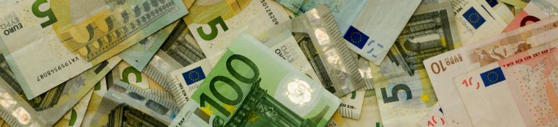 Ar reikia deklaruoti dovanotus pinigus?